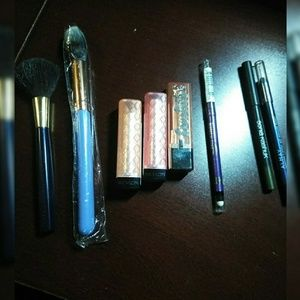🔥 FREE W/ PURCHASE! Makeup, Revlon, Lipstick, etc
